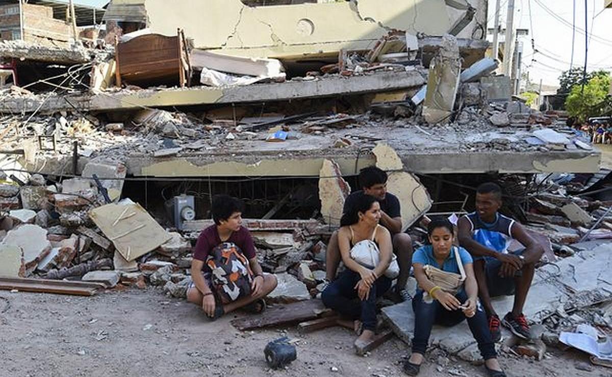 Declaran en Ecuador ocho días de luto nacional por terremoto